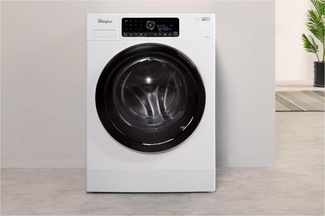 Máquina de lavar roupa Whirlpool eleita Produto do Ano pelos consumidores portugueses